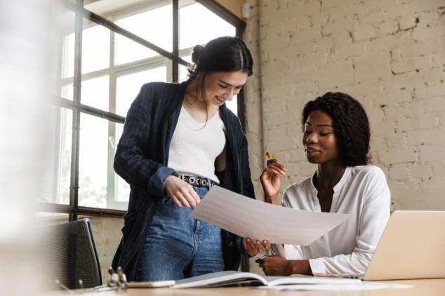 Two entrepreneurs women talking about a project
